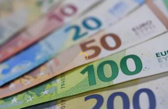 стоит ли сейчас покупать евро и доллары по сегодняшнему курсу