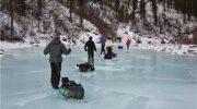 Спасатели МЧС рассказывают о правилах поведения на тонком льду