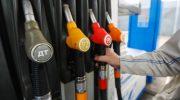 Дмитрий Медведев заверил, что не видит причин для роста цен на топливо