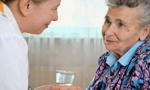 кто может оформить опеку над пожилым человеком