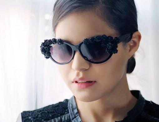 солнцезащитные женские очки с декором