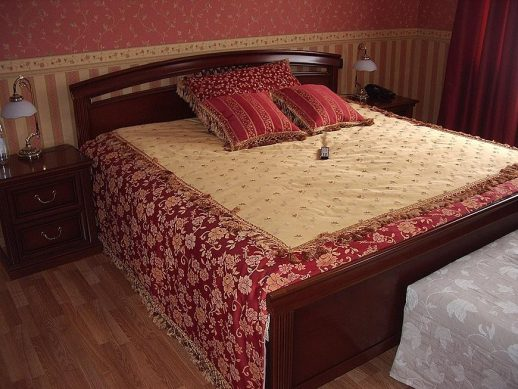 выбор покрывала для спальни