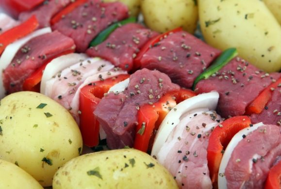 готовим мясо для шашлыка и маринад