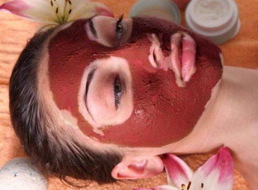маска из красной глины для лица