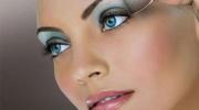 Обольстительный вечерний макияж для голубых глаз