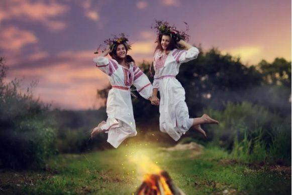прыгают через огонь приметы на ивана купалу